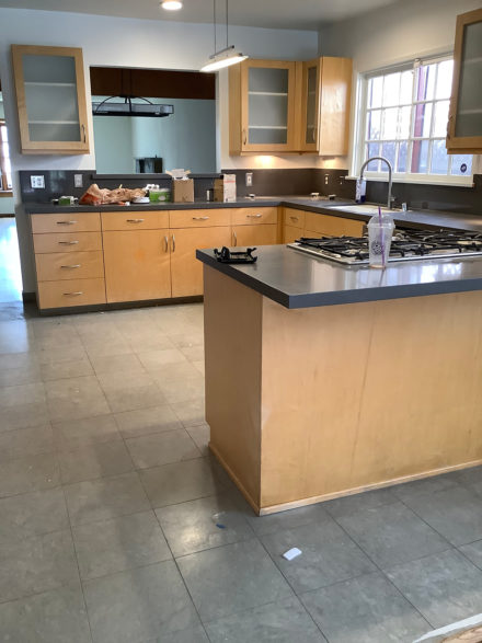 cabinet-refinishing-before-1